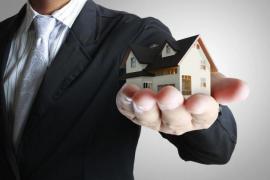 多城市托底楼市,不许降价抛售?网友:到底是谁在阻碍房价下跌?